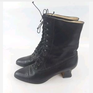 Martinez Valero granny boots lace up black 7.5B